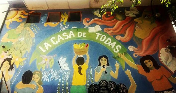 En El Salvador hay un movimiento de mujeres y hombres feministas que luchan por la despenalización del aborto en cuatro causales. Foto: Sergio Camacho Lannini.